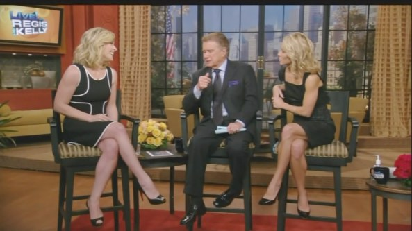 Jane Krakowski - Regis and Kelly (2009-10-19)1