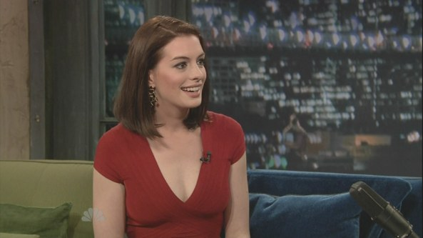 Anne Hathaway - Late Night with Jimmy Fallon (2009-01-06)6